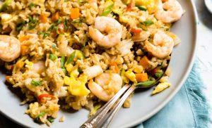 receta de arroz frito con camarones