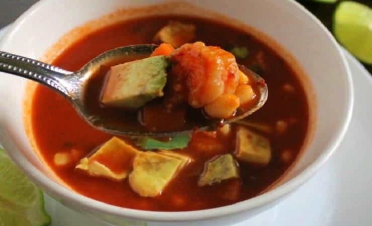 caldo de camaron seco con chile guajillo